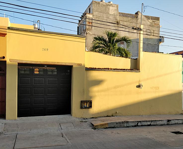 28-GarageOutside